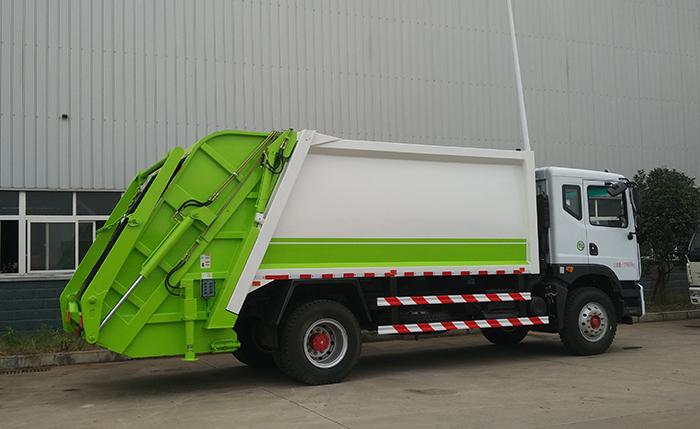 东风多利卡D9型10方垃圾压缩车
