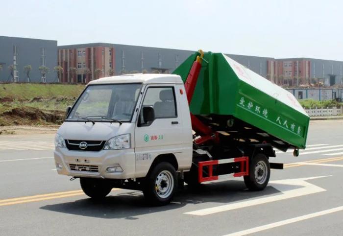 凯马国五小型拉臂式垃圾车